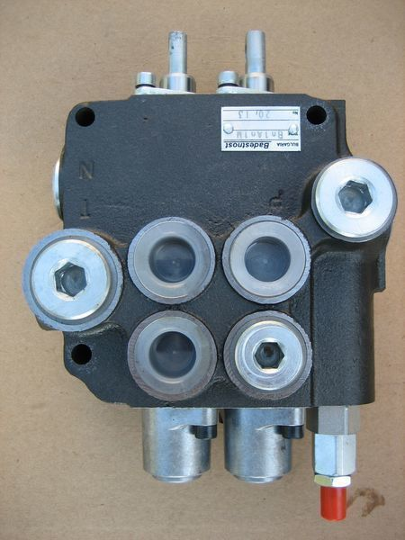 new Bolgariya Gidroraspredelitel 2R80 spare parts for LVOVSKII 40814, 40810, 41030 material handling equipment