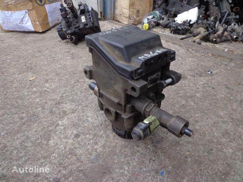 Bosch valve for RENAULT Magnum tractor unit