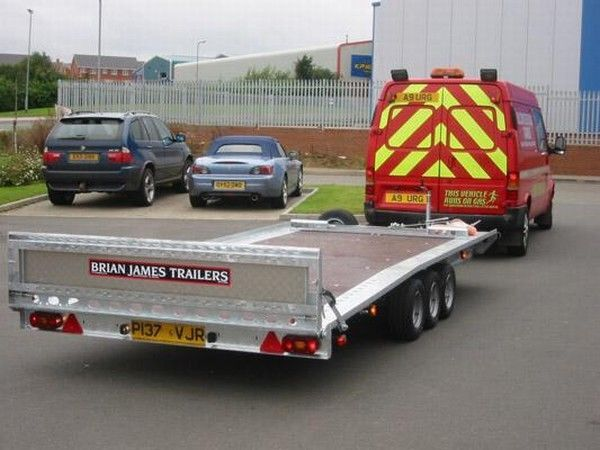 BRIAN James Trailers TT-T-303 car transporter trailer