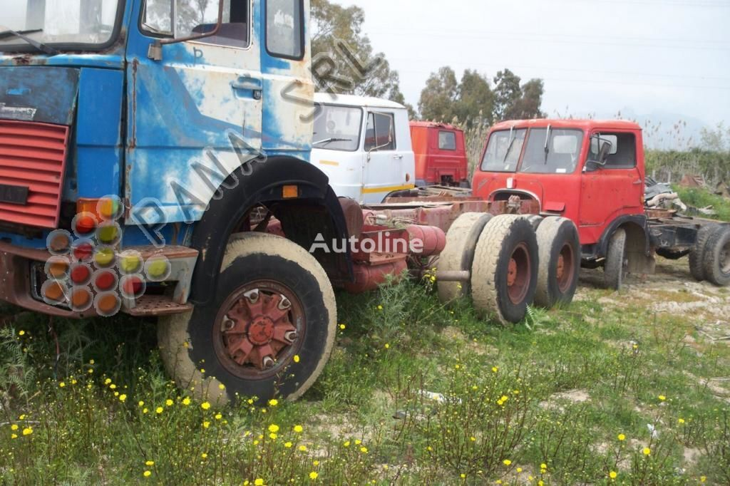 IVECO 330 26 chassis truck