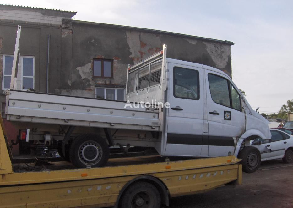 damaged MERCEDES-BENZ Sprinter 316 CDI flatbed truck for parts