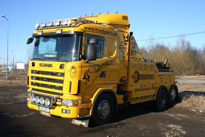 SCANIA R144 tow truck