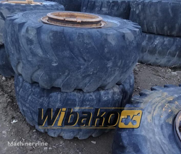 23.5/25 (12/37/32) digger tyre