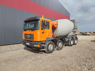 Liebherr  on chassis MAN 32.464