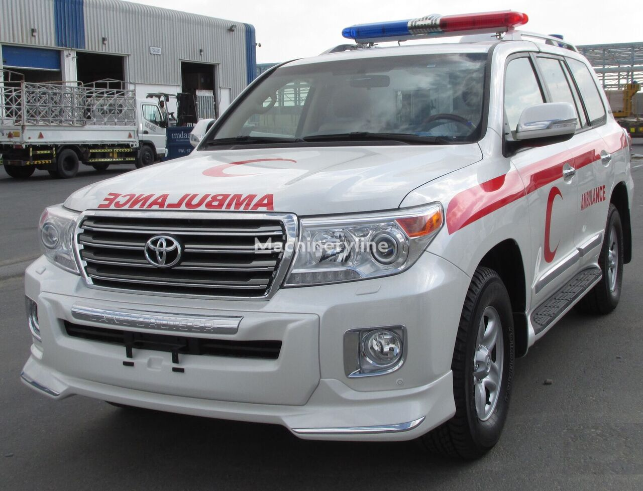 new TOYOTA LC200 LC GXR DSL - E ambulance