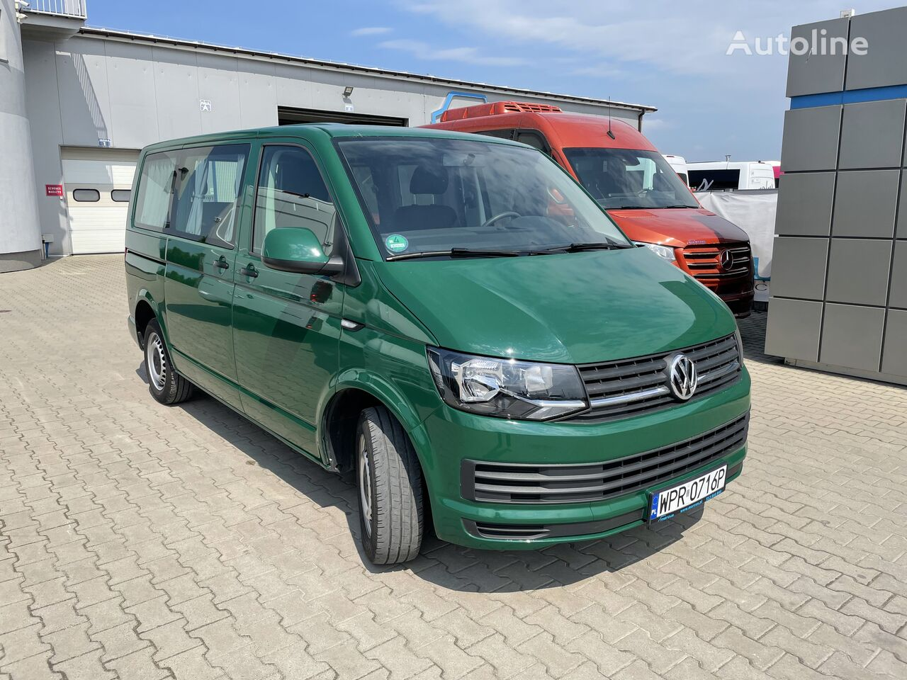 VOLKSWAGEN Multivan T6 passenger van