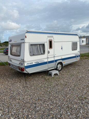 FENDT Platin 470 TFB caravan trailer