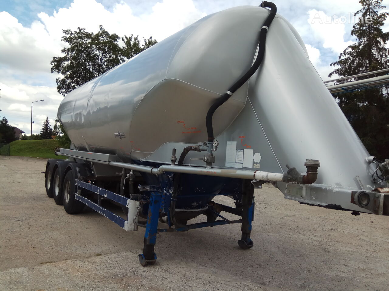 SPITZER SF2736 cement tank trailer