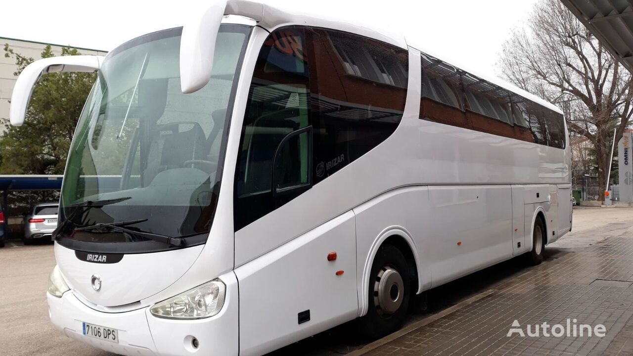 IVECO IRIZAR PB HIGH coach bus