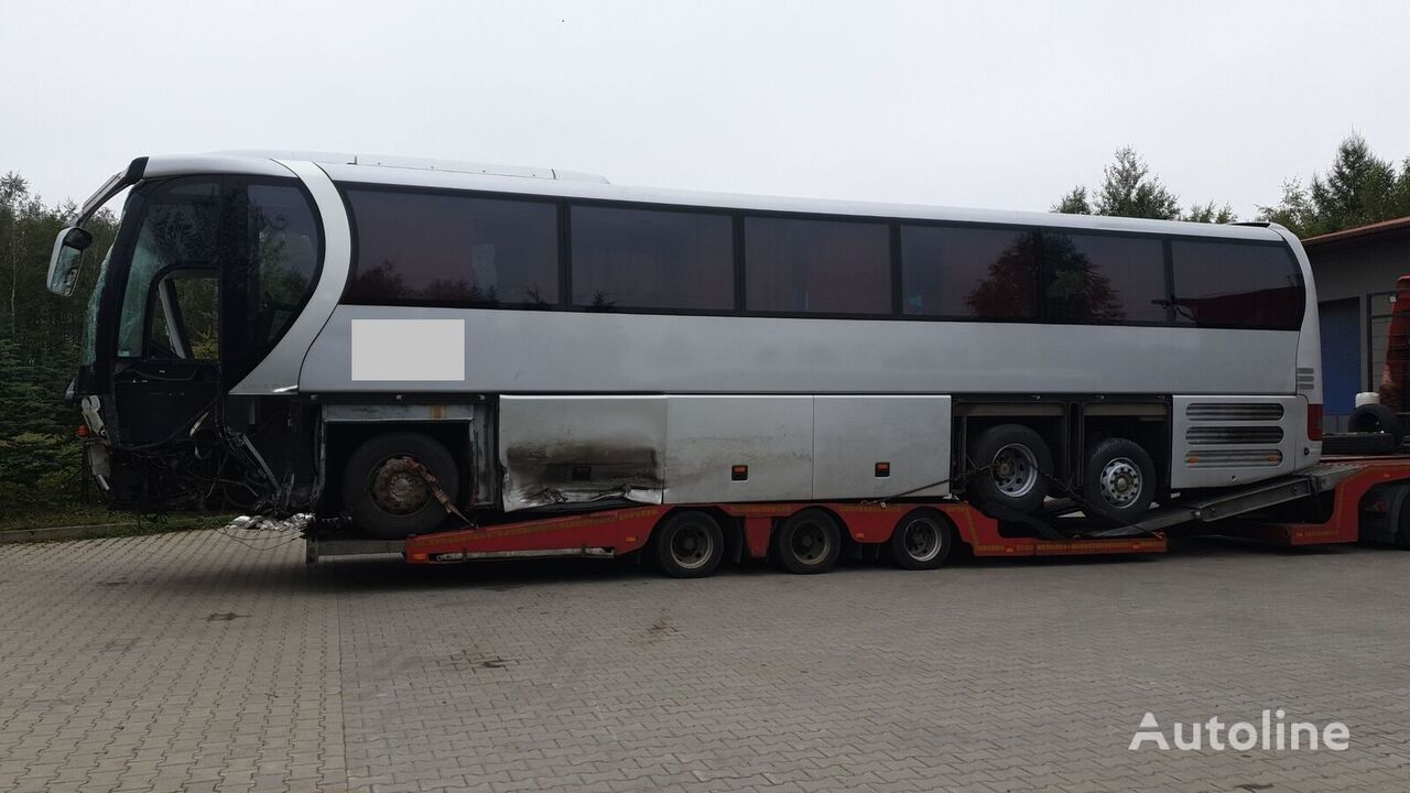 damaged MAN LIONS STAR L R03, R08 coach bus