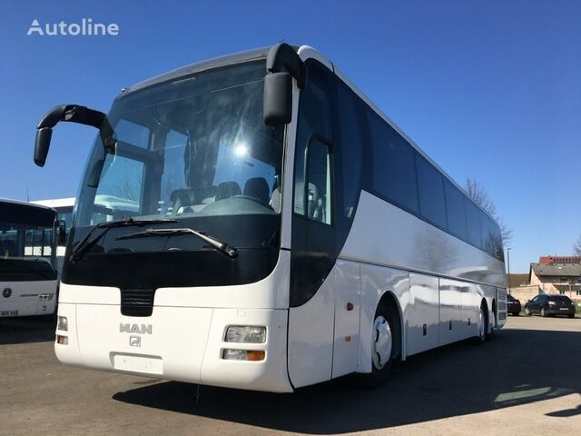 MAN R08  coach bus