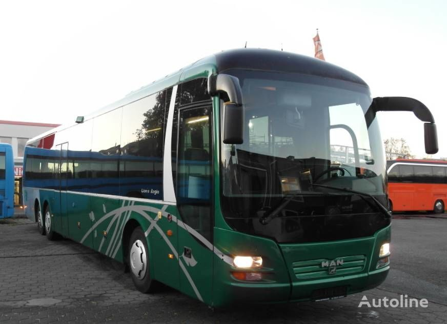 MAN R13 coach bus