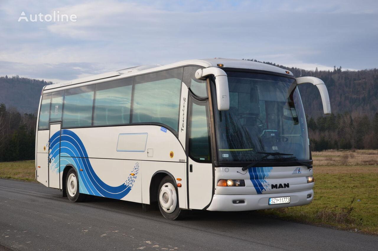 MAN noge coach bus