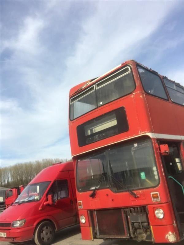 MCW Metrobus coach bus