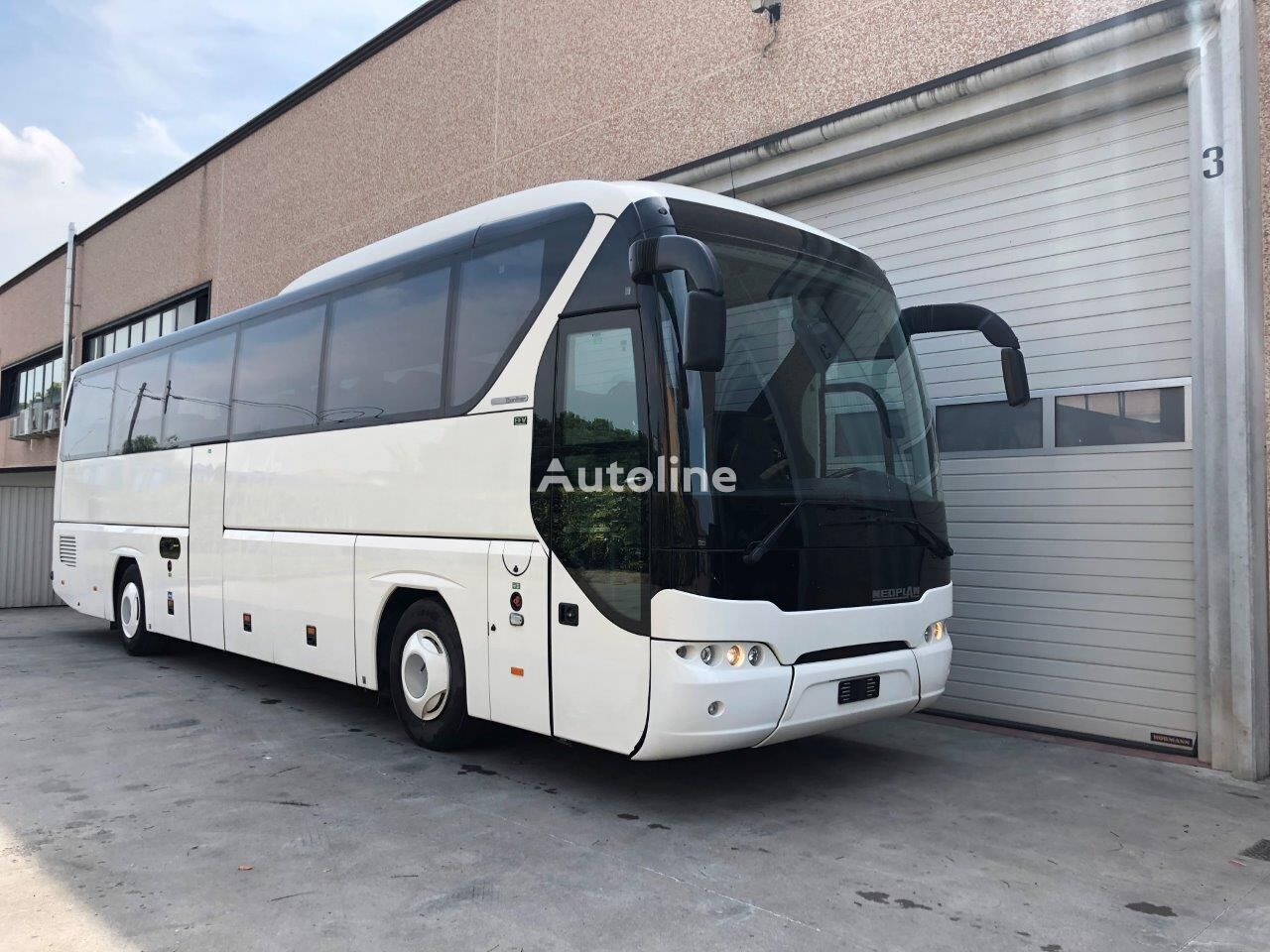 NEOPLAN Tourliner coach bus