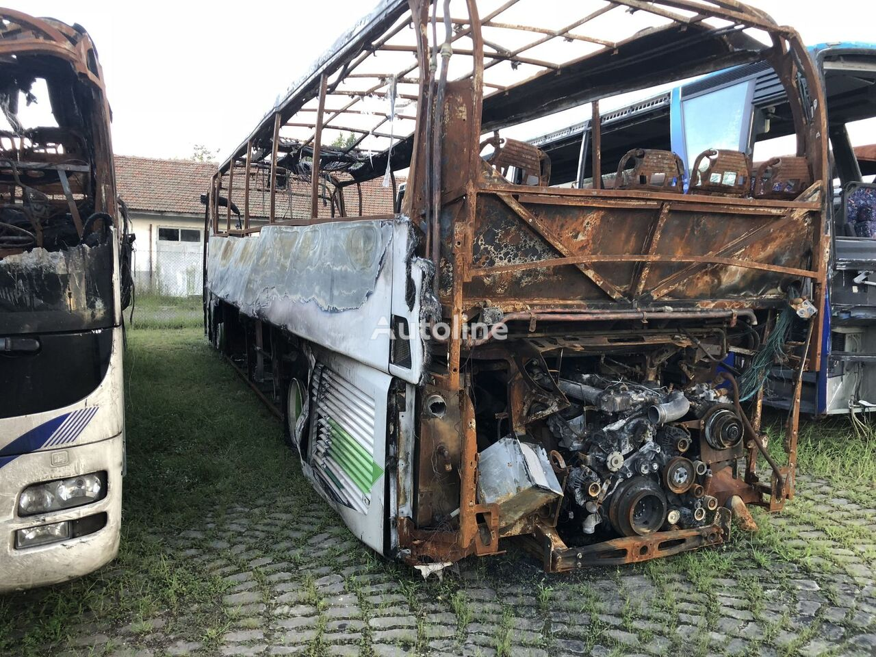 NEOPLAN Tourliner N2216 SHD coach bus for parts