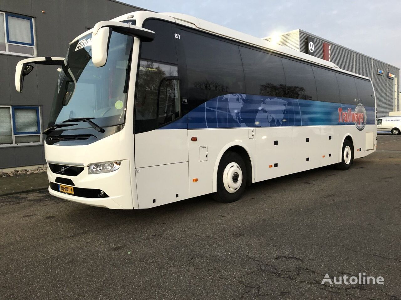VOLVO 9700 ( As new 2 pieces ) coach bus