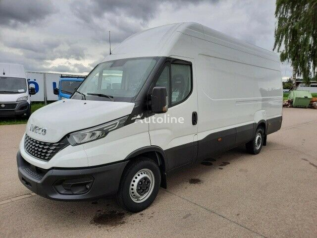 new IVECO Daily 35-140 closed box van