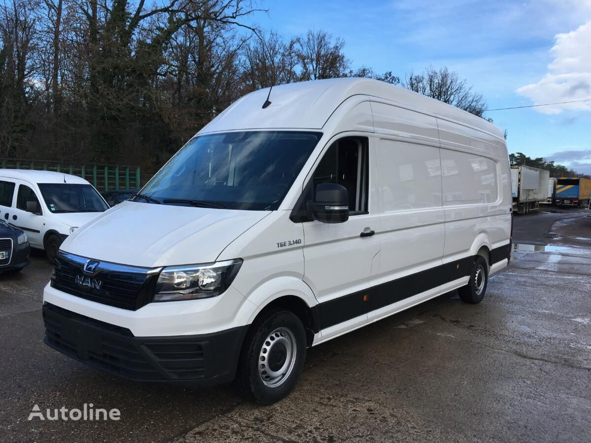 new MAN TGE 3.140 closed box van