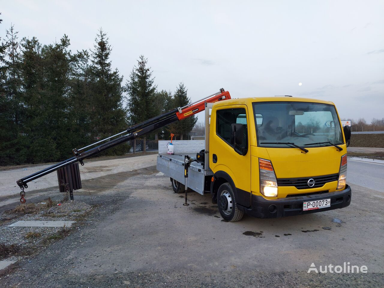 NISSAN flatbed truck < 3.5t