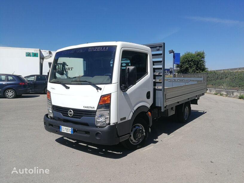 NISSAN CABSTAR 35.11 CASSONE FISSO 4 MT.. PORTATA 15 Q.LI flatbed truck < 3.5t