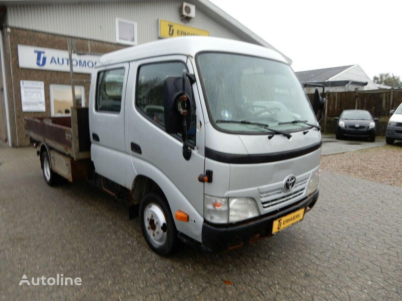 TOYOTA DYNA 150 3,0 D-4D D.CAB flatbed truck < 3.5t
