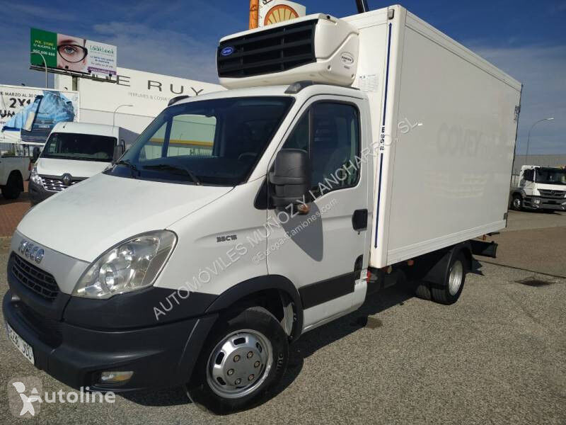 IVECO 35C15 refrigerated truck < 3.5t