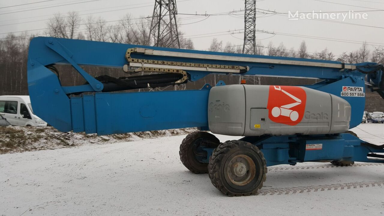 GENIE Z135/70 articulated boom lift