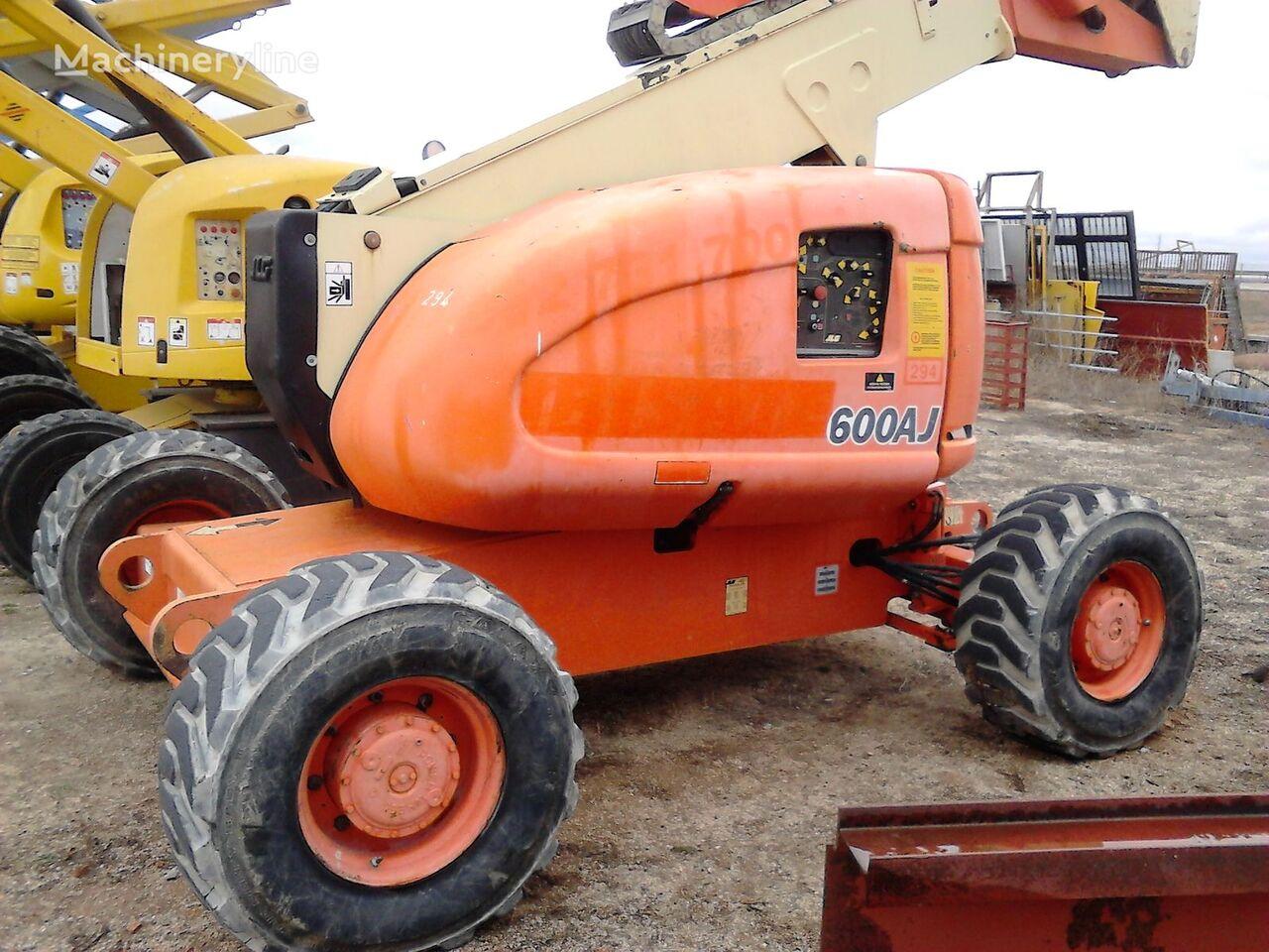 JLG 600 AJ articulated boom lift