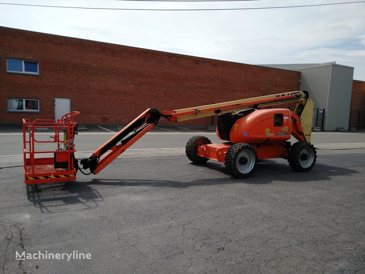 JLG 600AJ articulated boom lift