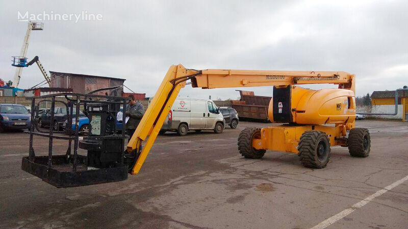JLG 800AJ articulated boom lift