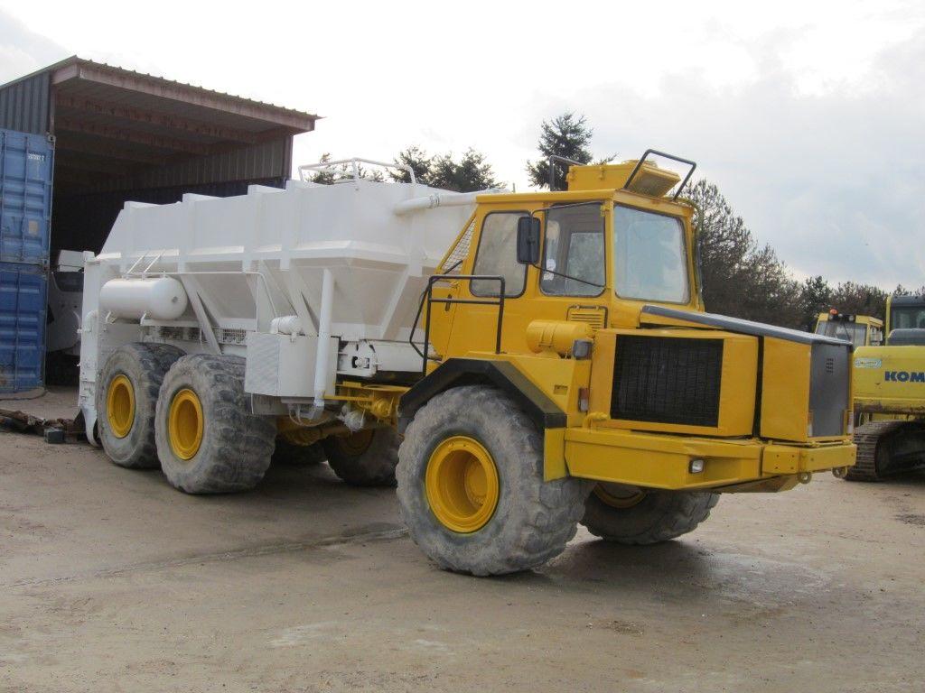 VOLVO Spreader Panien PR15 articulated dump truck