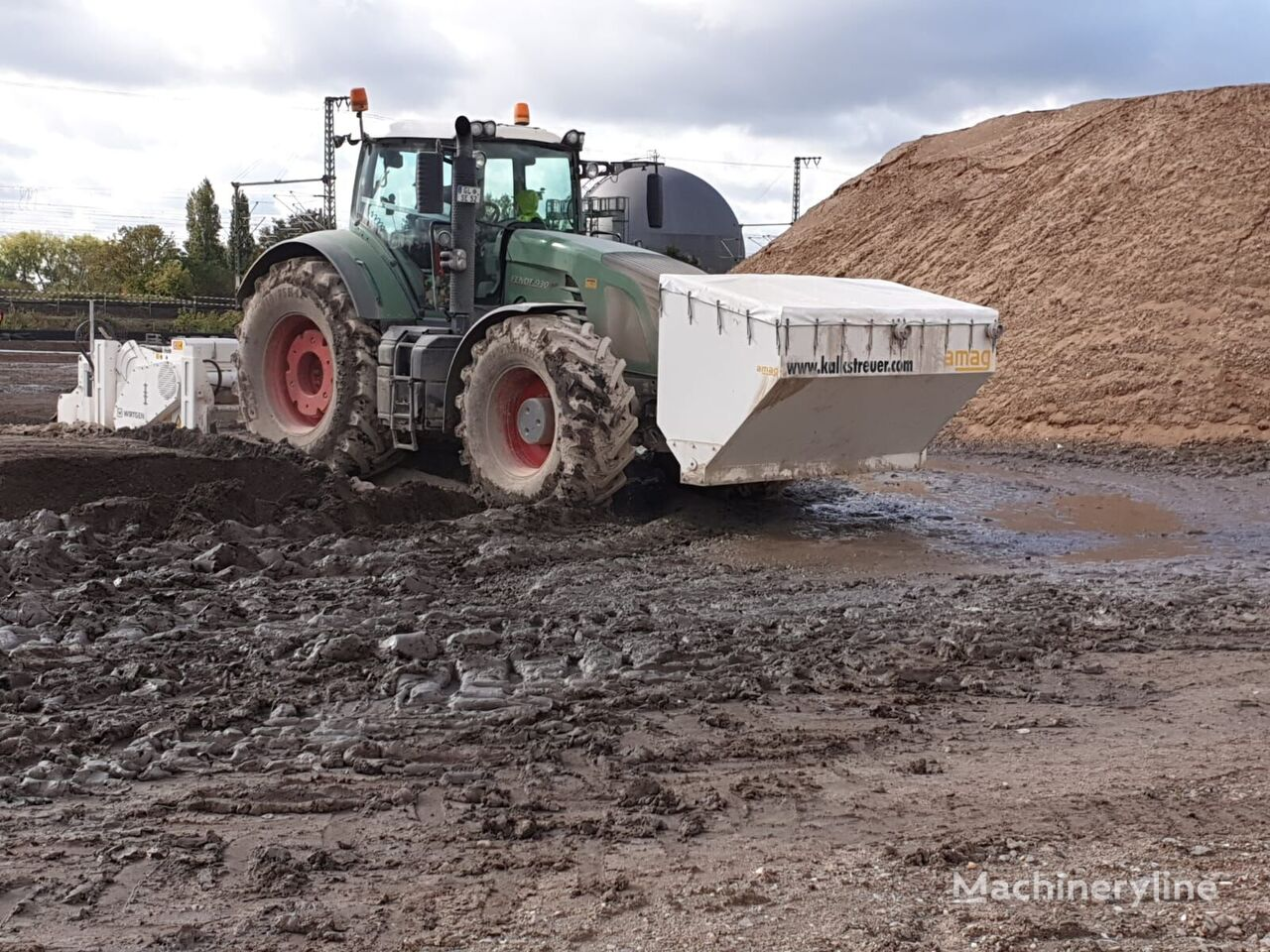 spreader 3 m³ asphalt recycler