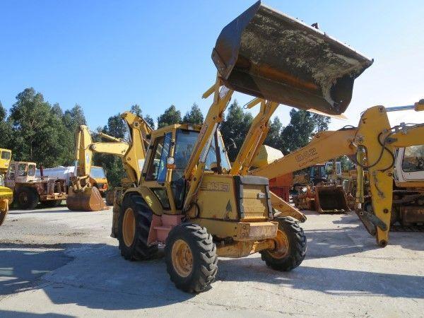 CASE 580K backhoe loader for parts