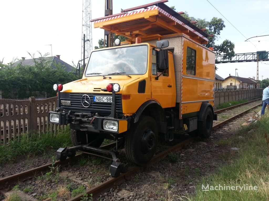 MERCEDES-BENZ Unimog U1200 bucket truck