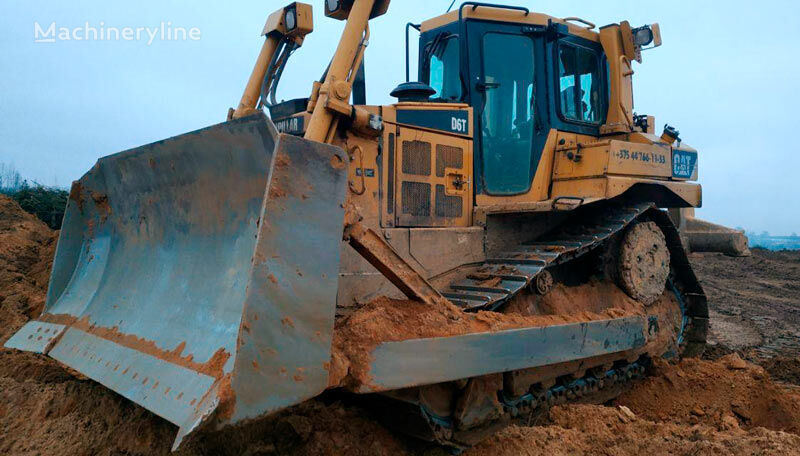 CATERPILLAR D6 bulldozer