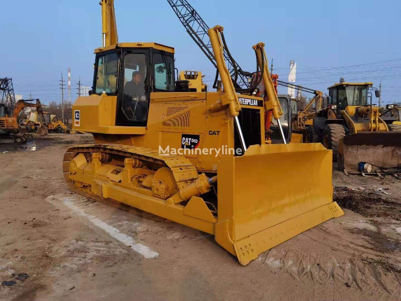 CATERPILLAR D6D bulldozer