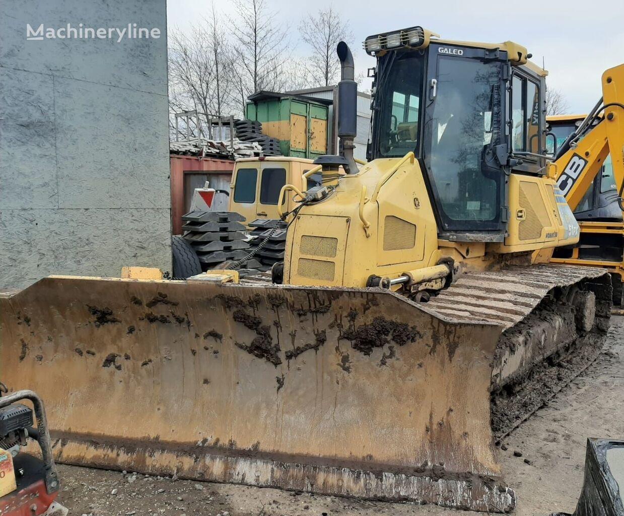 KOMATSU D51PX22 bulldozer