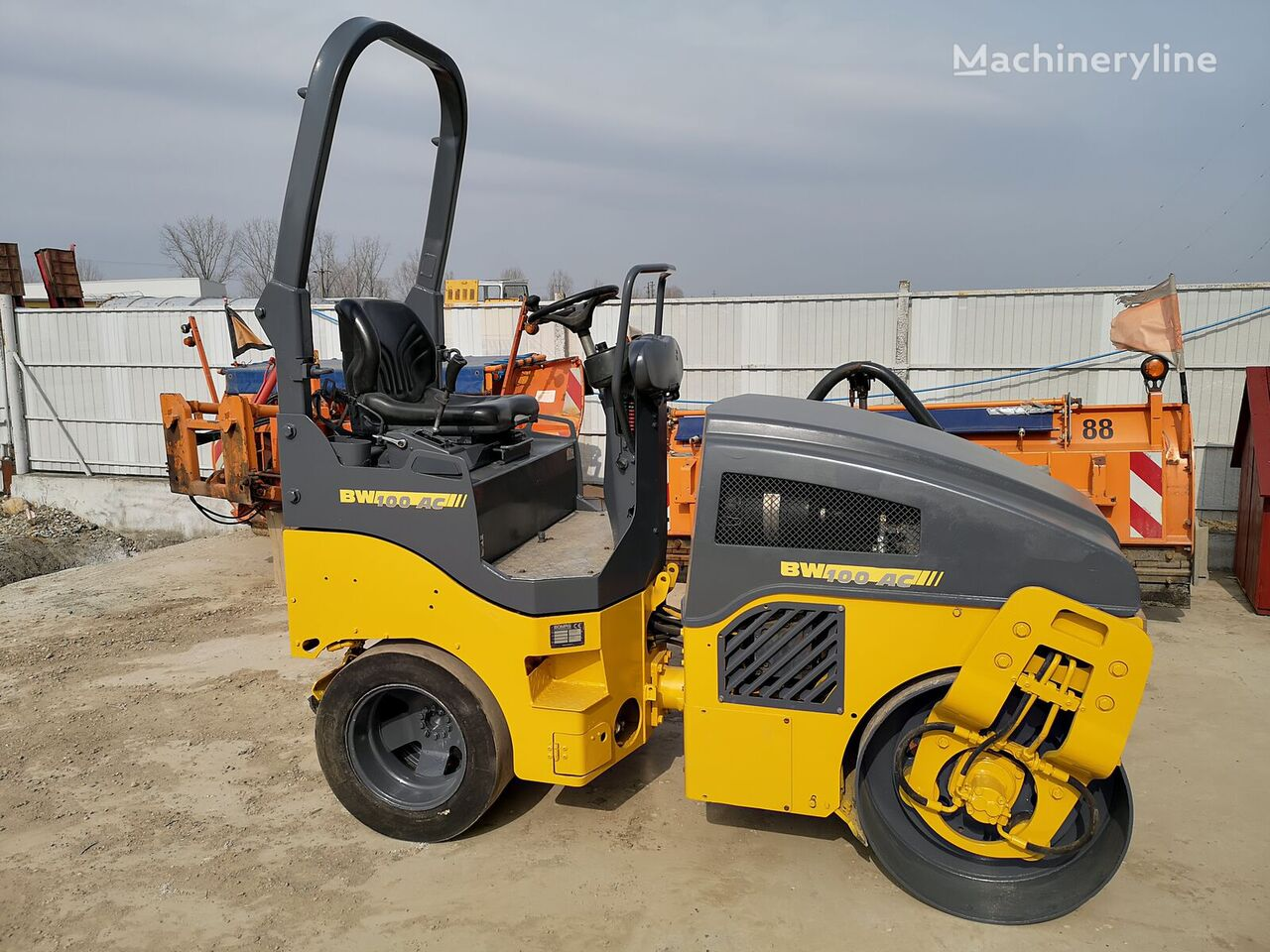 BOMAG BW 100 AC combination roller