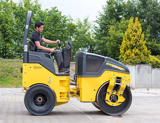 new BOMAG BW 138 AC-5  combination roller