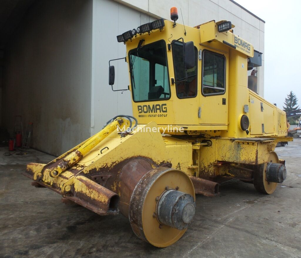 BOMAG BC772RB-2 compactor