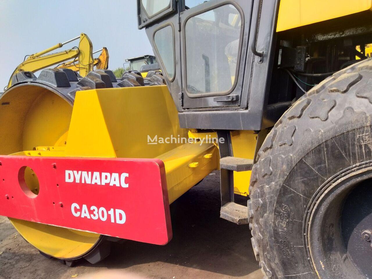 BOMAG CA301D compactor