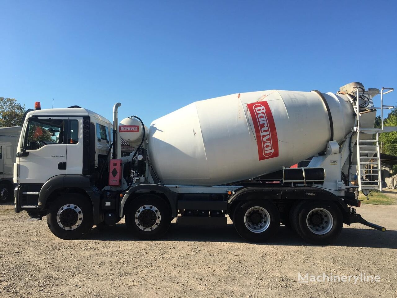 Baryval  on chassis MAN TGS 32.400 v Lizing concrete mixer truck