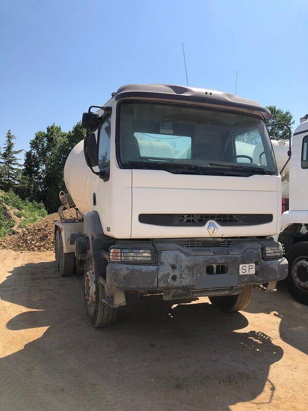 RENAULT KERAX 320.26-6X4 concrete mixer truck