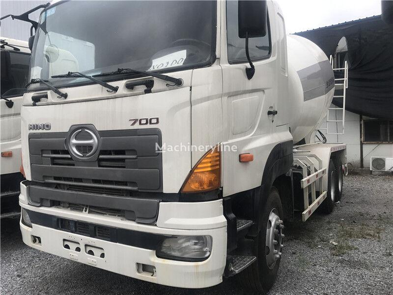 HINO 700 concrete mixer