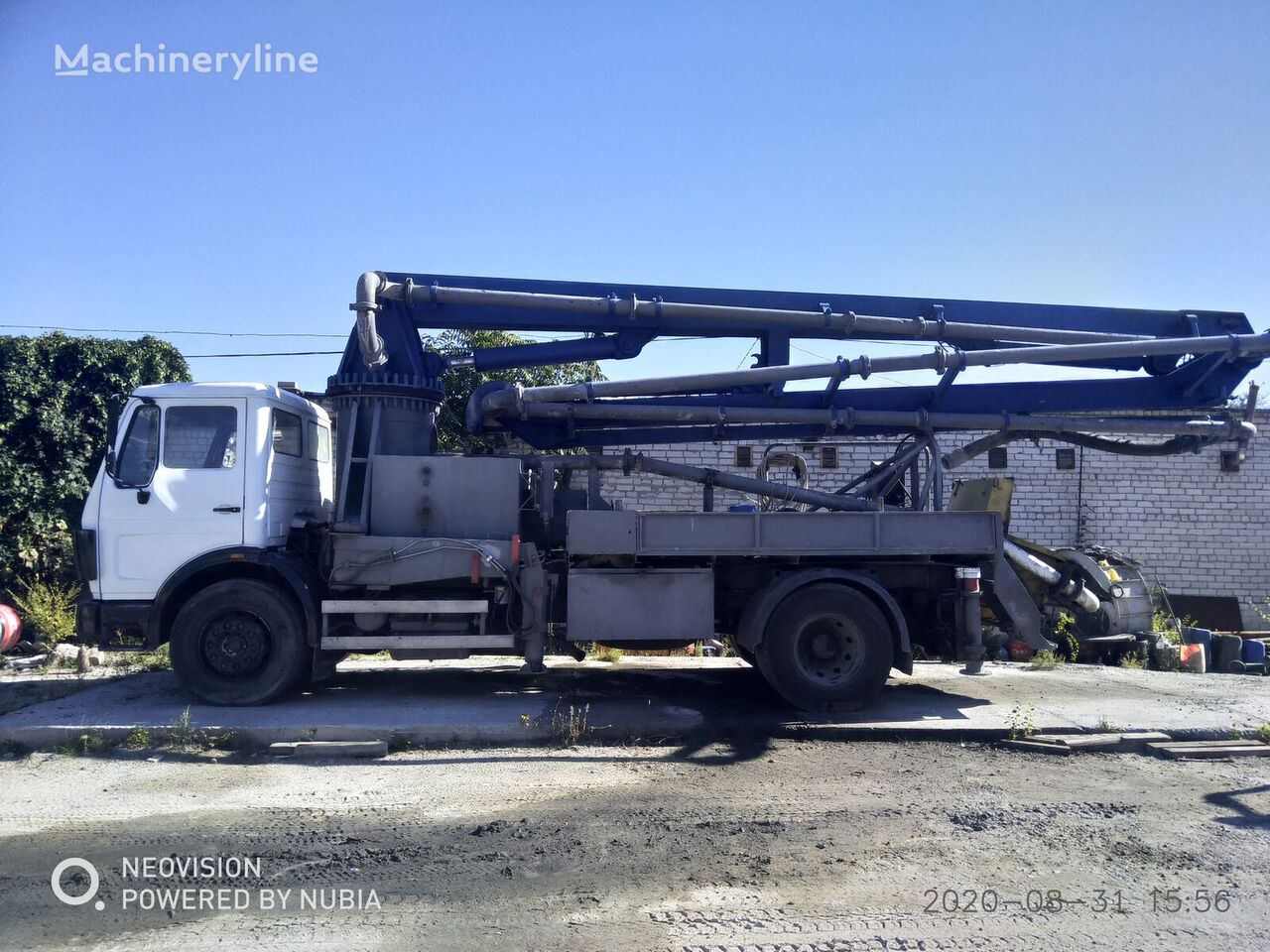 Putzmeister  on chassis MERCEDES-BENZ concrete pump