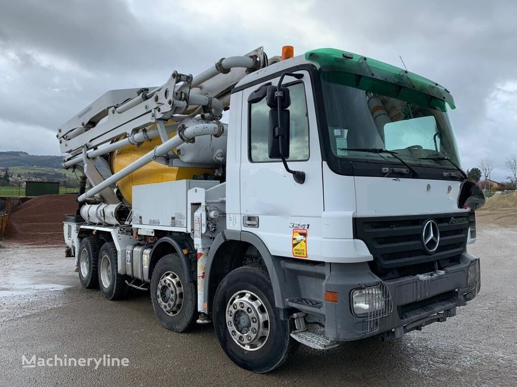 Putzmeister 24.67 Q on chassis MERCEDES-BENZ 3241 concrete pump