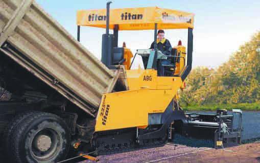 ABG TITAN 225 crawler asphalt paver