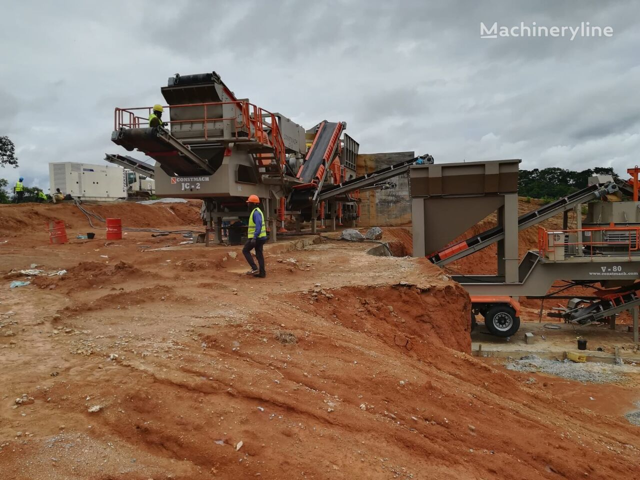 new CONSTMACH 150 tph CAPACITY MOBILE JAW + CONE + VSI CRUSHING PLANT crushing plant