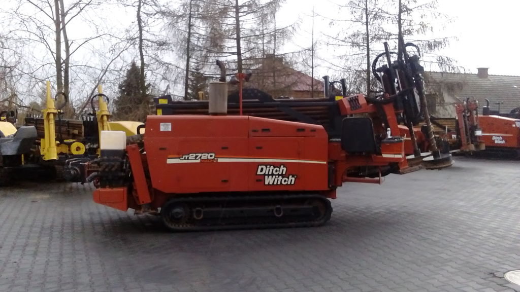 DITCH-WITCH 2720 mach1 horizontal drilling rig